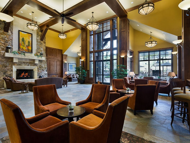 Grand Lobby Grand Lodge on Peak 7